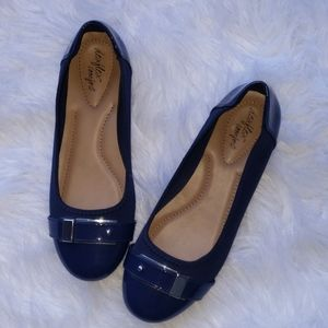 Dexflex comfort | navy blue & silver flats size 7